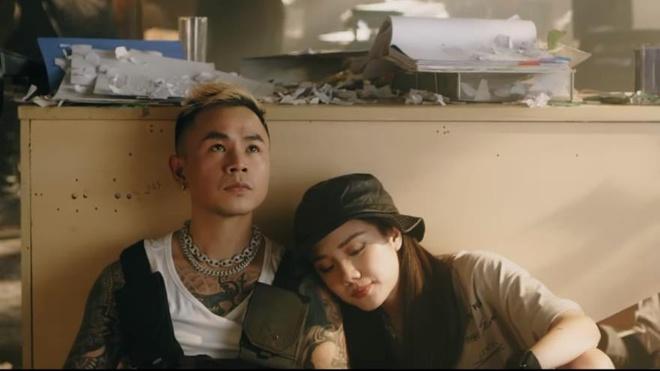 Video - Phuong Ly va Binz thay doi phong cach trong MV 'So close' hinh anh