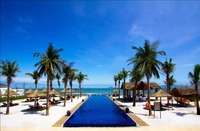 Kham pha Hoi An voi du lich nghi duong dang cap hinh anh 1 Bãi biển Cửa Đại trong xanh với hàng ngàn con sóng hiền hòa hứa hẹn sẽ mang lại một kỳ nghỉ khó quên.