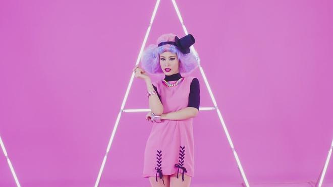 MV 'Pink girl' cua Dong Nhi hinh anh