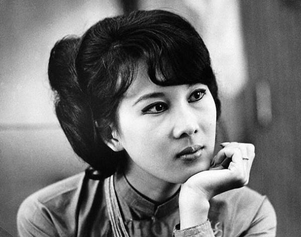 Khi 'de nhi phu nhan' Phu Dau Rong the hien quyen luc hinh anh 2 Nhan sắc của bà Đặng Tuyết Mai thời trẻ.