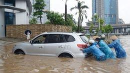 Quang Ninh ngap nang, CSGT dam mua day xe hinh anh 8