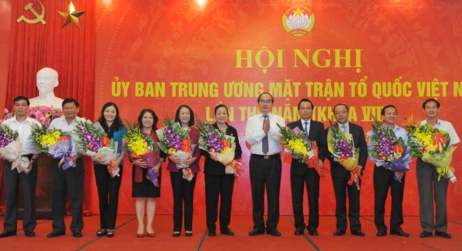 Hai Uy vien Bo Chinh tri tham gia Uy ban TU MTTQ Viet Nam hinh anh 2