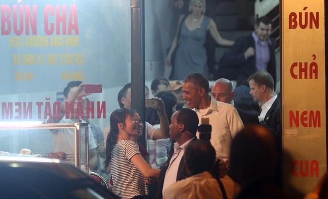 Tong thong Obama an bun cha Ha Noi hinh anh