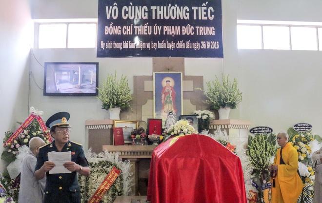 Vinh biet phi cong Pham Duc Trung hinh anh 1