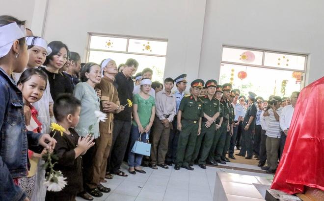 Vinh biet phi cong Pham Duc Trung hinh anh 5