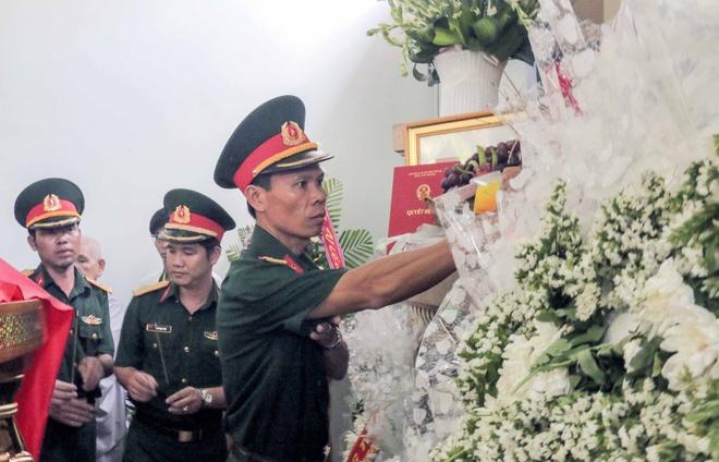 Vinh biet phi cong Pham Duc Trung hinh anh 6