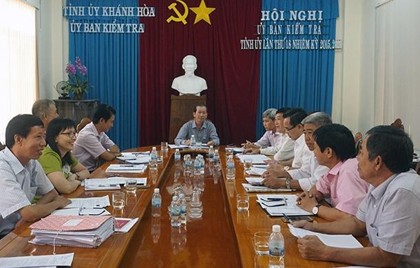 Ky luat Truong ban Dan van Thanh uy Cam Ranh hinh anh
