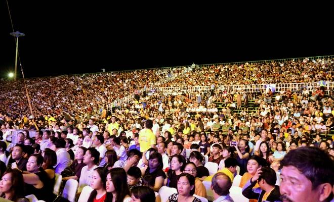 Hang chuc nghin nguoi du khai mac Festival bien Nha Trang 2019 hinh anh 2