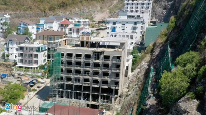 """Cưỡng chế 13 biệt thự, khách sạn ở """"siêu dự án"""" Ocean View"""