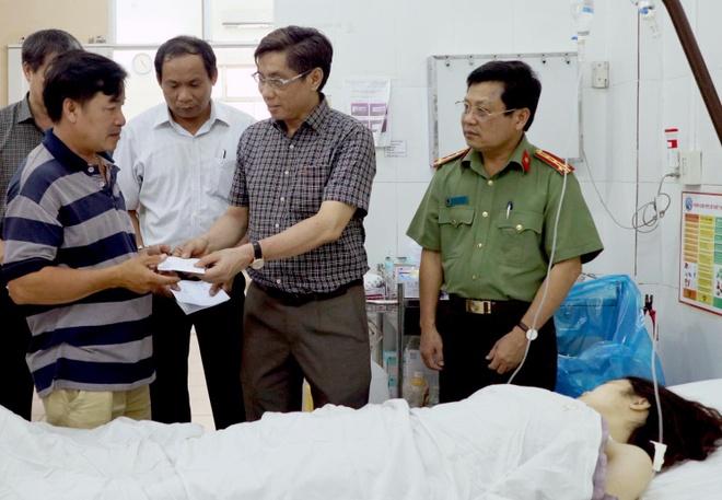 Tai nan xe Phuong Trang: 2 oto lao voi toc do cao khi den nga tu hinh anh 2