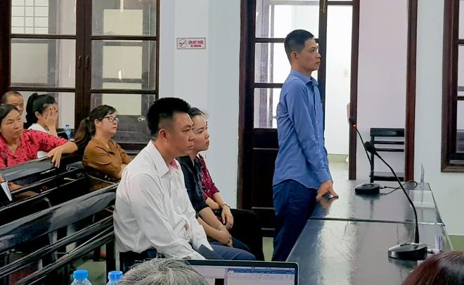 Khoi to giam doc Bavico Nha Trang anh 2