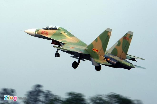 Tiếng nổ trên bầu trời Bình Phước là của Su-30 đang tập luyện