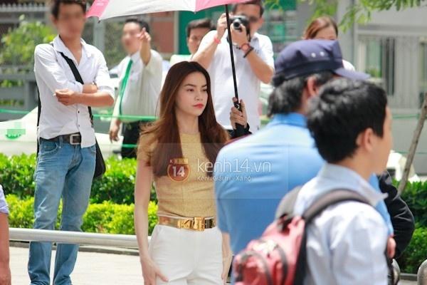 Nhin lai mot nam hanh phuc gia dinh Ha Ho - Cuong Do la hinh anh 19