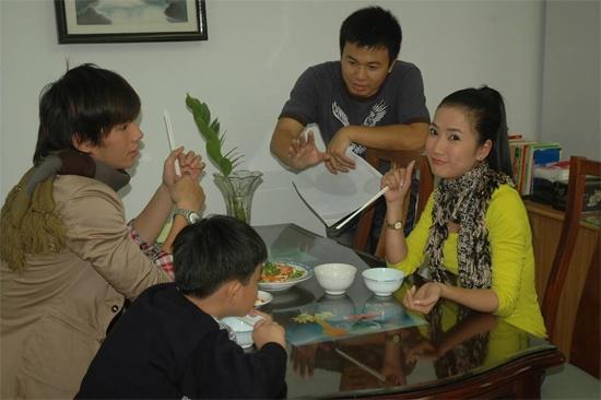 Gap lai dan dien vien phim 'Hoa co may' (2001) hinh anh 22