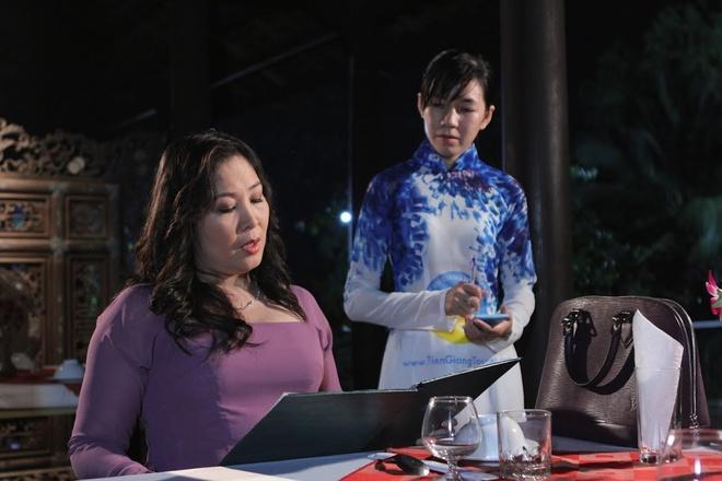 Con gai Hong Van dong chung vai voi me trong phim moi hinh anh 6