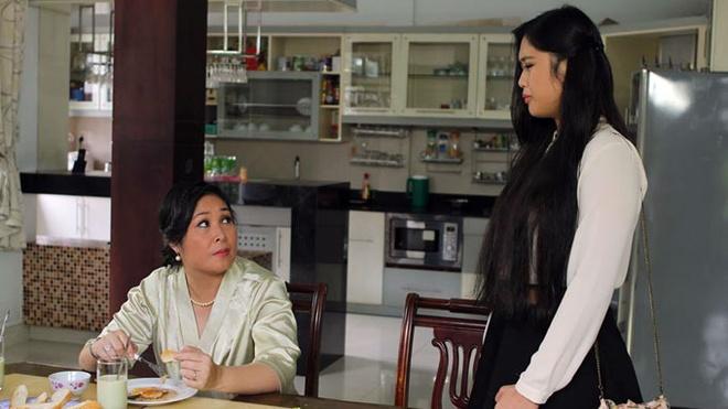 Con gai Hong Van dong chung vai voi me trong phim moi hinh anh 2