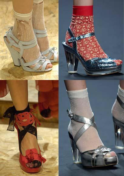 5 thoi xau thuong gap o con nghien thoi trang hinh anh 6 Tất chân với sandals là một trong những xu hướng cực kì kén người ứng dụng.