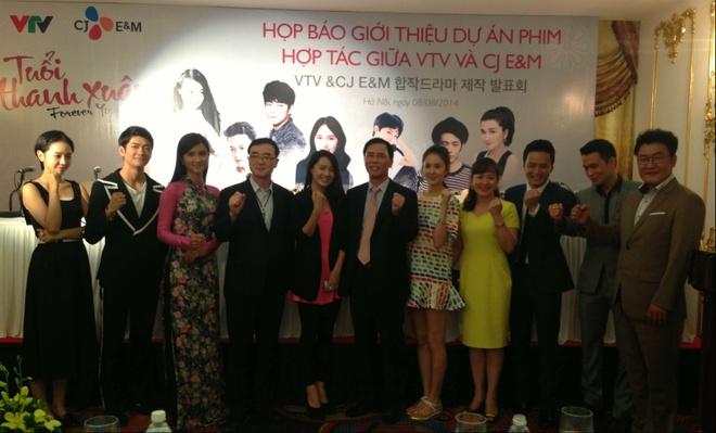 Nha Phuong roi vao nga ba tinh voi Hong Dang va hot boy Han hinh anh 5