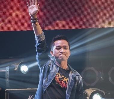 Chang MC tung doi dien voi can benh ung thu mau hinh anh