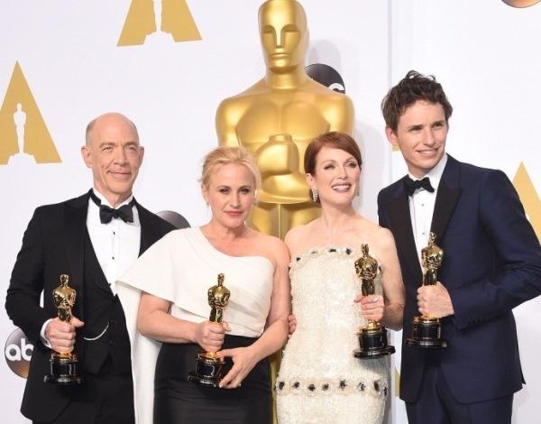 Oscar: Nguoi cham giai khong xem phim, khan gia 'chem gio' hinh anh