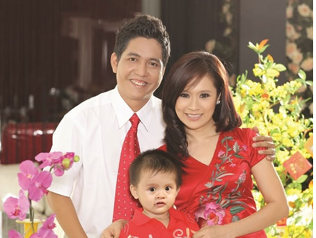 Thanh Thuy – Duc Thinh sung suong don ve nha moi hinh anh