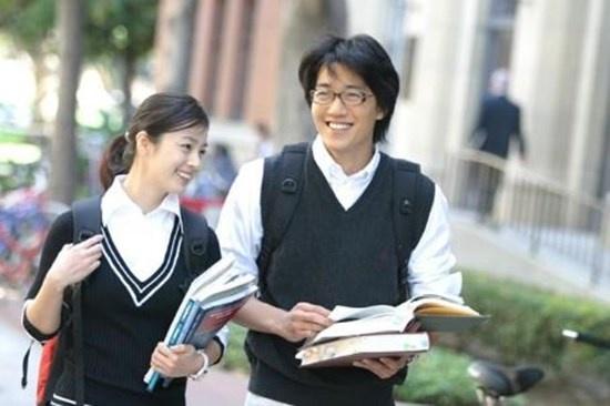 Nhung nu cuoi thien than cua Kim Tae Hee hinh anh 7 Vẻ đẹp rạng rỡ, tràn đầy sức sống của Lee Soo In (Kim Tae Hee) - nữ chính của Chuyện tình ở Harvard được thể hiện rõ nhất...