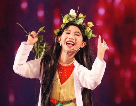 Co giao ke chuyen day Duc Vinh Got Talent dien tuong hinh anh