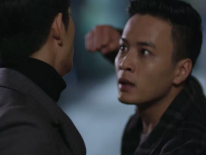 Khanh lao vao dam Junsu khi biet Linh thay doi hinh anh