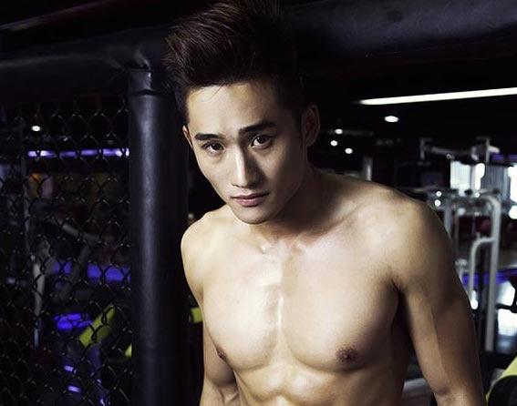 Hot boy 6 mui 'Vua di vua khoc' lot top 10 Phai manh Viet hinh anh