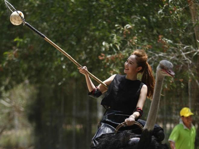 Minh Hang cuoi da dieu di nhat trung trong game show hinh anh