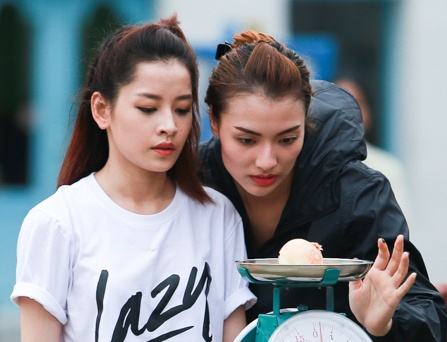 Hong Que vuong nghi van yeu Harry Lu khi tham gia game show hinh anh