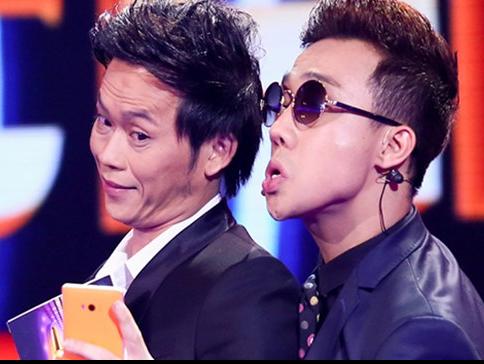 Hoai Linh 'bo roi' Tran Thanh trong cuoc dua tai VTV Awards hinh anh