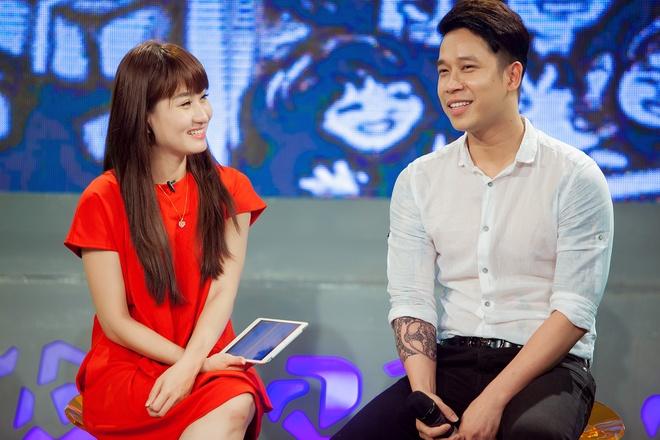 Tien Dung The Men 'tan tinh' MC Bua trua vui ve hinh anh 6