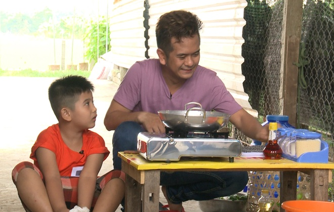 'Be An' Hung Thuan bi con trai che nau an do hinh anh