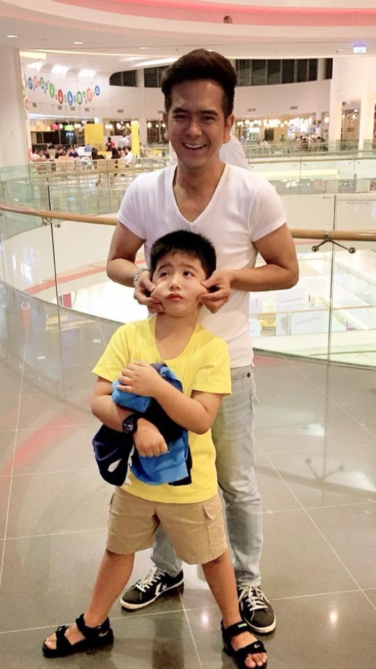 Xuan Bac thay Hung Thuan o Bo oi, minh di dau the? hinh anh 1