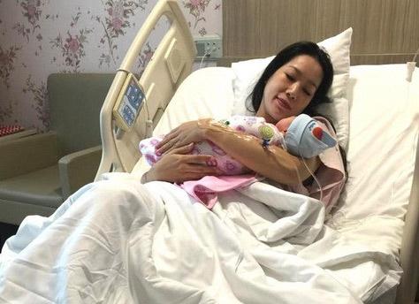 Trinh Kim Chi sinh con gai thu 2 o tuoi 43 hinh anh