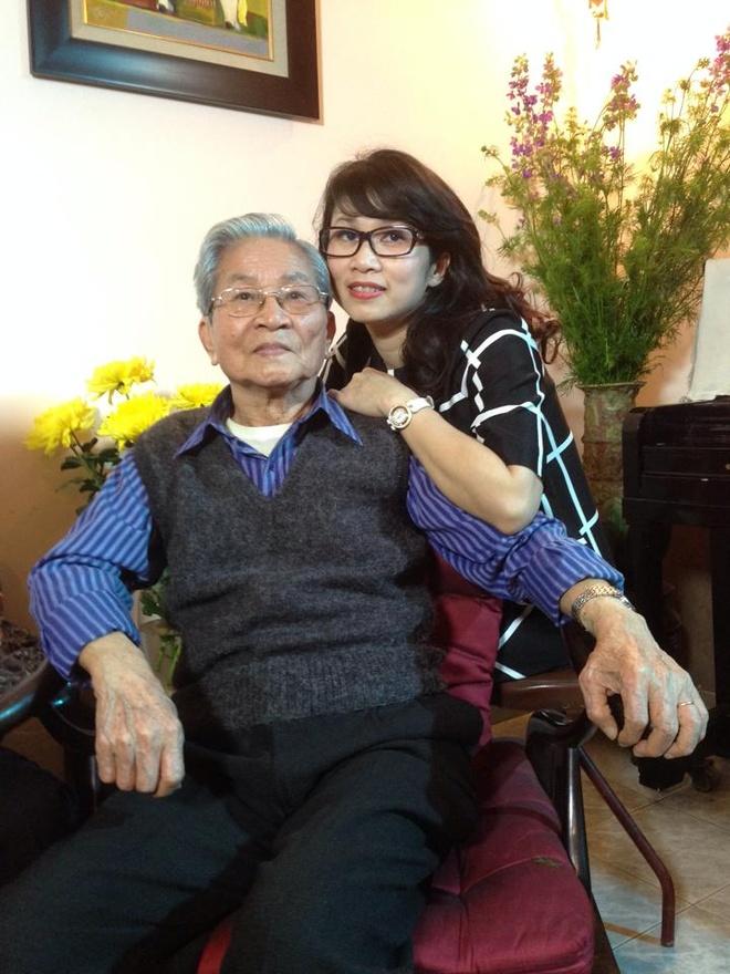 MC My Linh bang hoang truoc su ra di cua bo, NSND Dinh Quang hinh anh 1