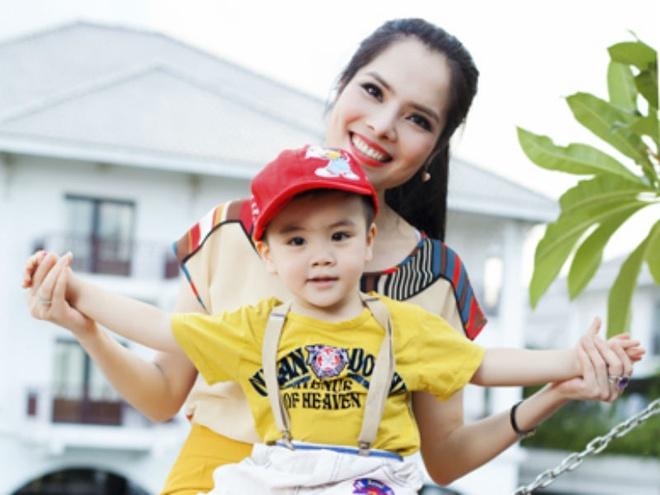 Dien vien Kieu Thanh: 'Bo em be van song voi toi' hinh anh