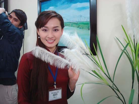 Phan 'lam dau' bat hanh cua La Thanh Huyen, Nhat Kim Anh hinh anh