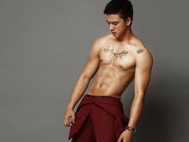Bi quyet hinh the dep khong can toi phong gym cua Tien Vu hinh anh
