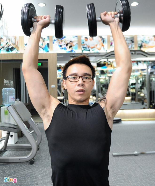 Mot buoi luyen co bung 6 mui cua ca si Dong Hung hinh anh 2