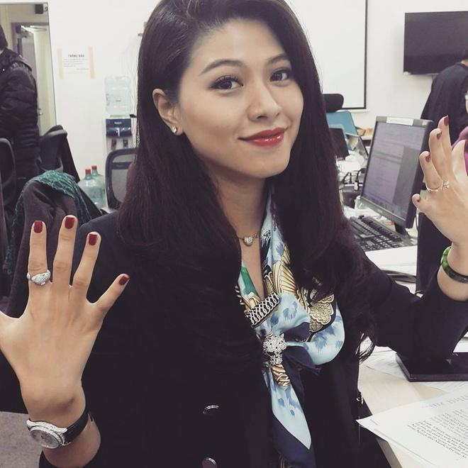 BTV Ngoc Trinh: 'Noi toi co nguoi chong lung cung dung' hinh anh 1