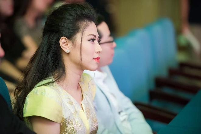 BTV Ngoc Trinh: 'Noi toi co nguoi chong lung cung dung' hinh anh 4