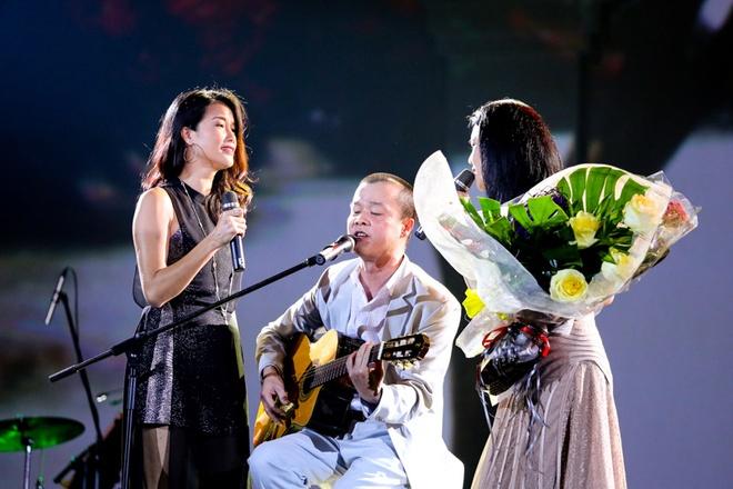 Nhung khoanh khac kho quen trong liveshow Thu Phuong hinh anh 10
