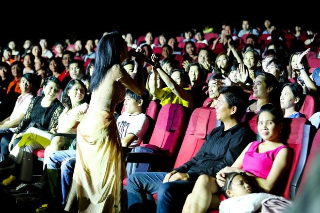 Nhung khoanh khac kho quen trong liveshow Thu Phuong hinh anh 14