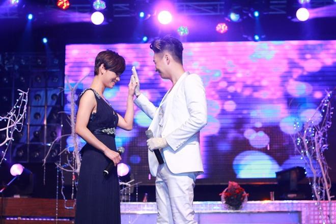 Thuy Tien ho bao, Dong Nhi ao ba ba song ca voi Kien Huy hinh anh 17