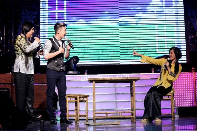 Thuy Tien ho bao, Dong Nhi ao ba ba song ca voi Kien Huy hinh anh 3