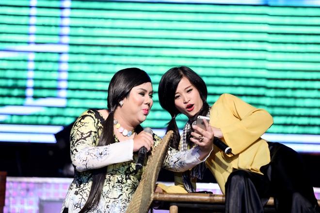 Thuy Tien ho bao, Dong Nhi ao ba ba song ca voi Kien Huy hinh anh 4