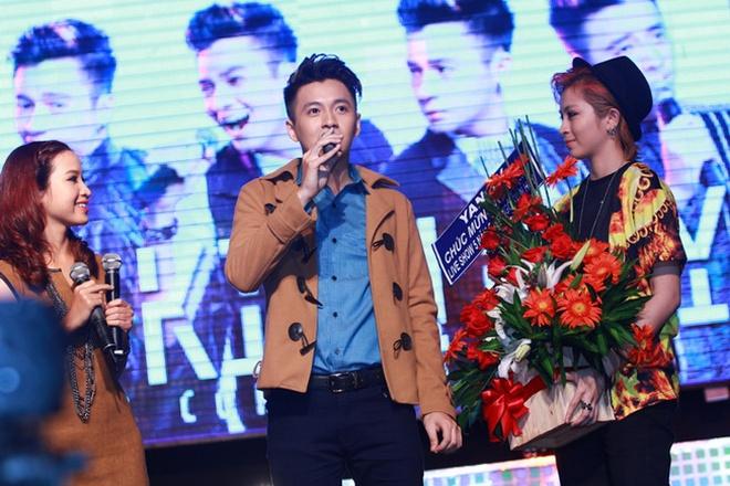 Thuy Tien ho bao, Dong Nhi ao ba ba song ca voi Kien Huy hinh anh 12