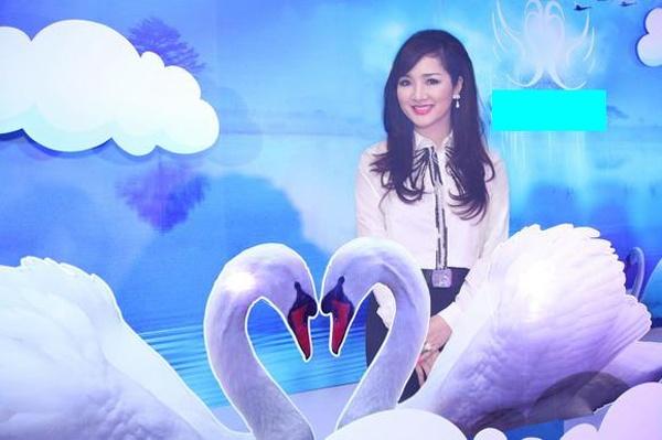 Van Trang tuoi tan di tiec cung mau nam Next Top Model hinh anh 3